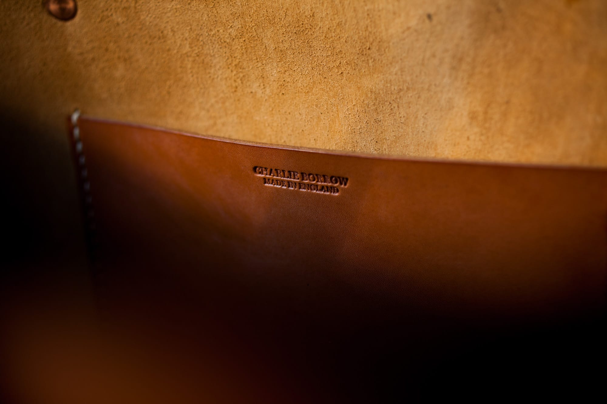 SLOW&STEADYの頼れる新星、英国の鞄メーカー CHARLIE BORROW のご紹介